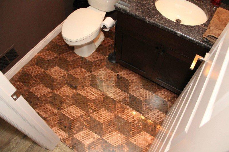 Необычный пол в ванной своими руками 75