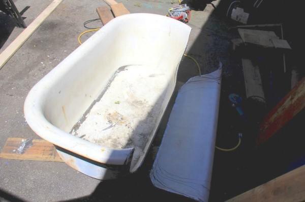 диван из старой ванной3