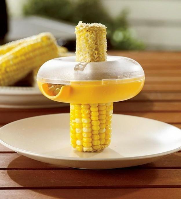 Для быстрого отделения зерен кукурузы с качана