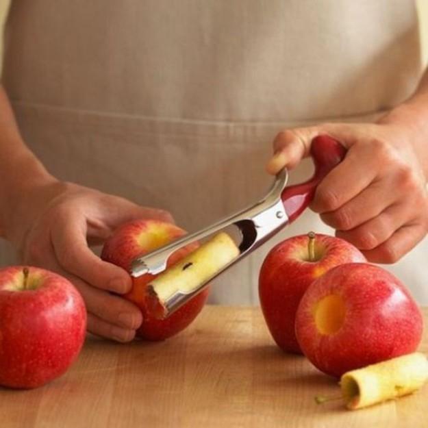 Легко удалить сердцевину из яблока поможет эта штука