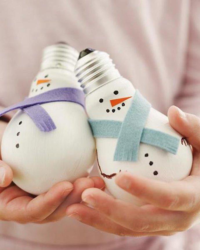 Новогодние поделки из лампочек своими руками фото