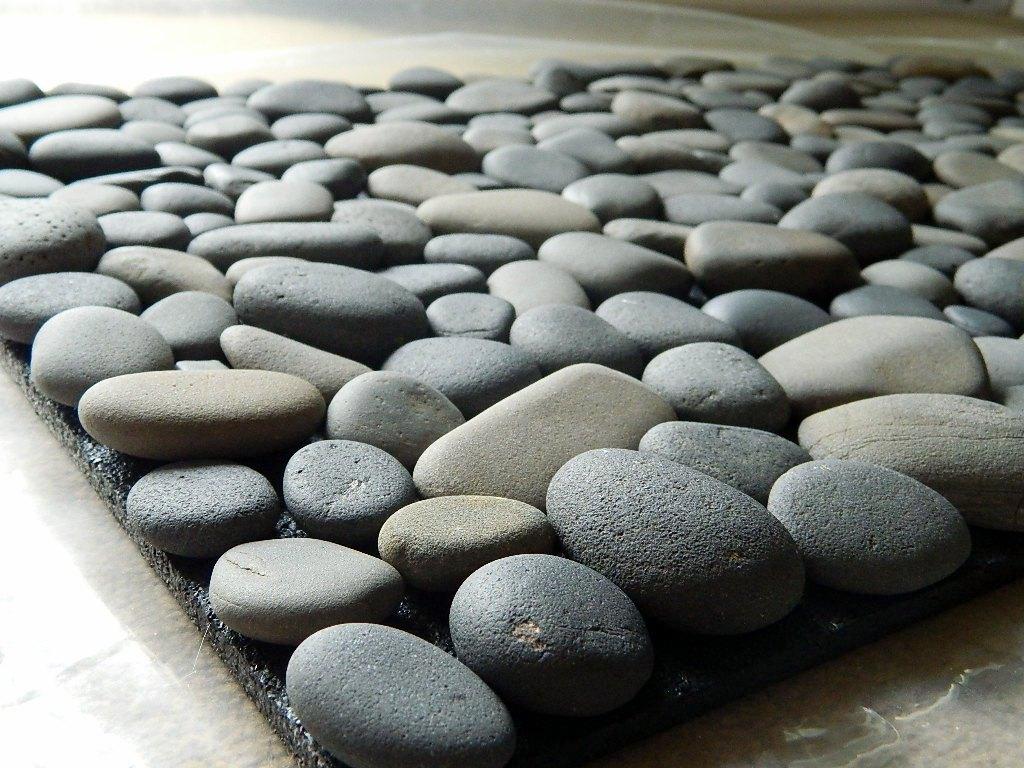 Коврик для ванны из камней