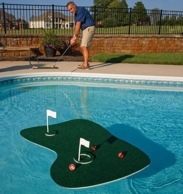 Плавучее поле для гольфа