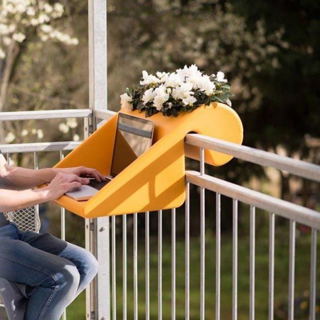 Стол-цветочный горшок для балкона