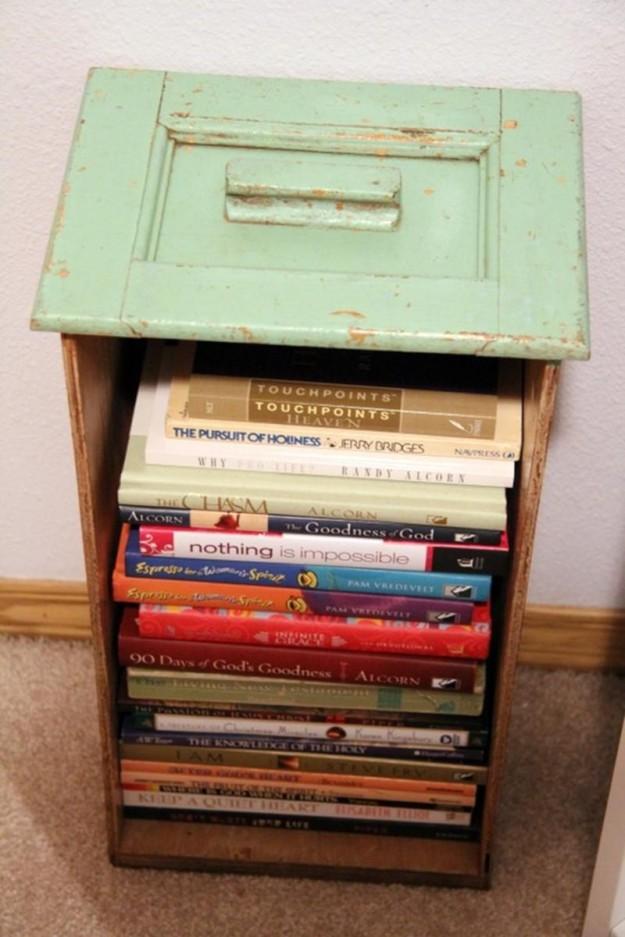 Полка для книг и столик
